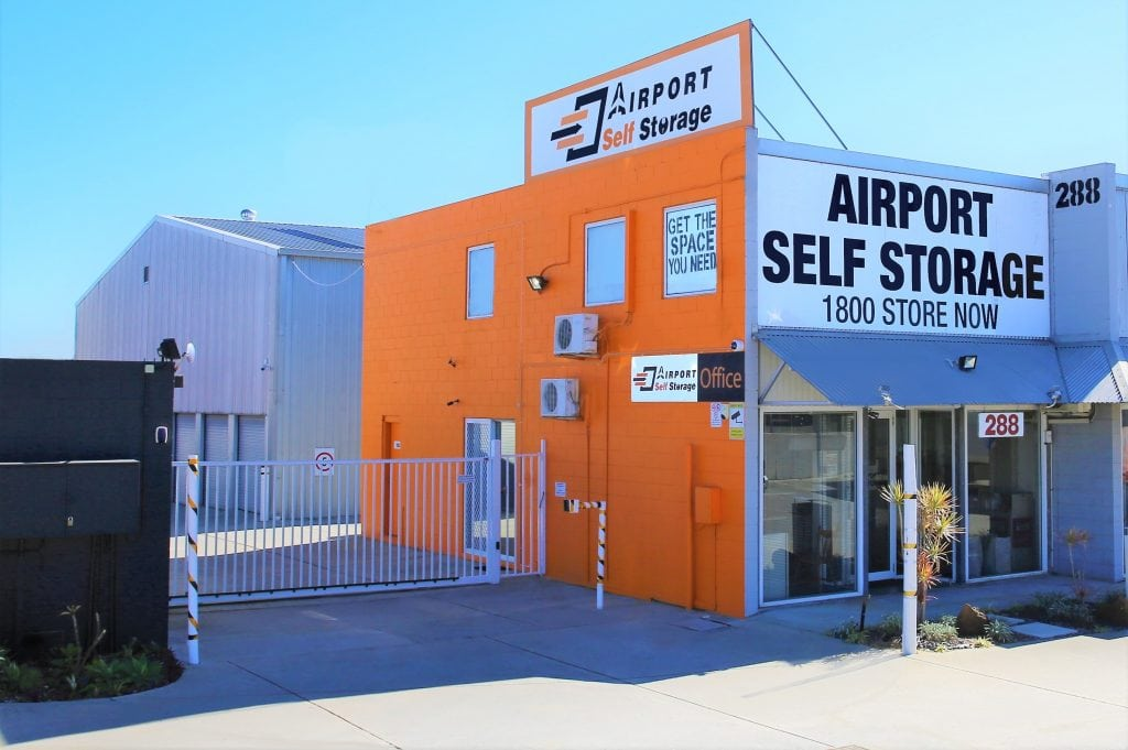 airport self storage store front
